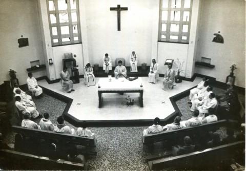 大聖堂內的感恩聖事.jpg